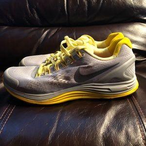 Nike lunar glide 4's in women's size 8.5.